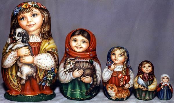Матрешки в качестве подарка для свадьбы в славянском стиле