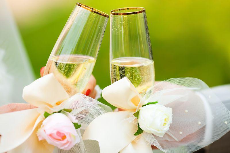 Индивидуальное свадебное шампанское