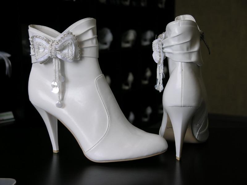 svadebnye-botilony Выбираем сапоги для зимней свадьбы