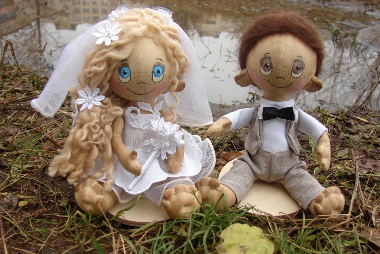 Свадебные куклы – один из элементов украшения кортежа