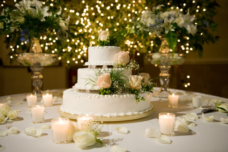Торт дублер на свадьбу – веселое развлечение для гостей