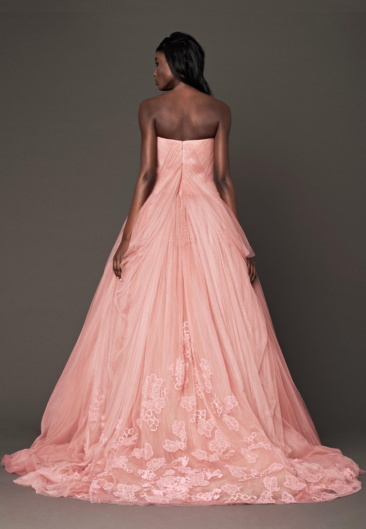 Kejli-Kuoko-i-ee-svadebnoe-plate2 Кейли Куоко и ее свадебное платье