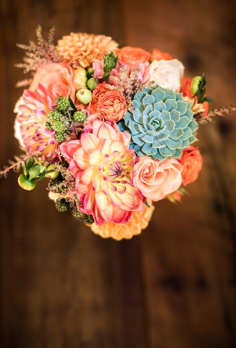 Svadebnye-bukety-v-persikovom-tsvete1 Свадебные букеты в персиковом цвете