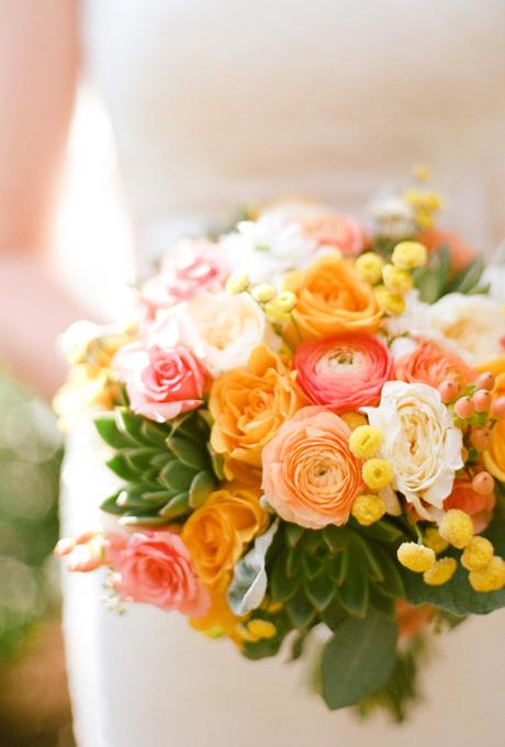 Svadebnye-bukety-v-persikovom-tsvete10 Свадебные букеты в персиковом цвете