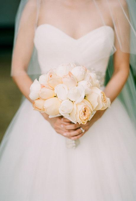 Svadebnye-bukety-v-persikovom-tsvete2 Свадебные букеты в персиковом цвете