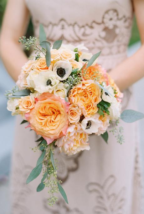 Svadebnye-bukety-v-persikovom-tsvete6 Свадебные букеты в персиковом цвете