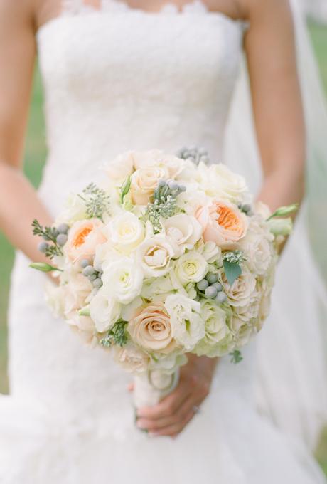 Svadebnye-bukety-v-persikovom-tsvete9 Свадебные букеты в персиковом цвете
