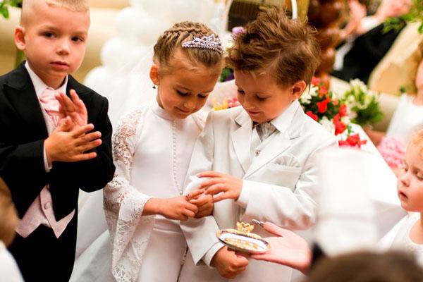 Подбираем наряд для маленького ребенка на свадьбу