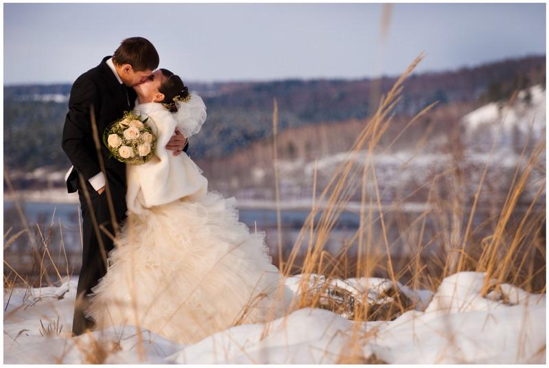 Выбираем свадебное пальто