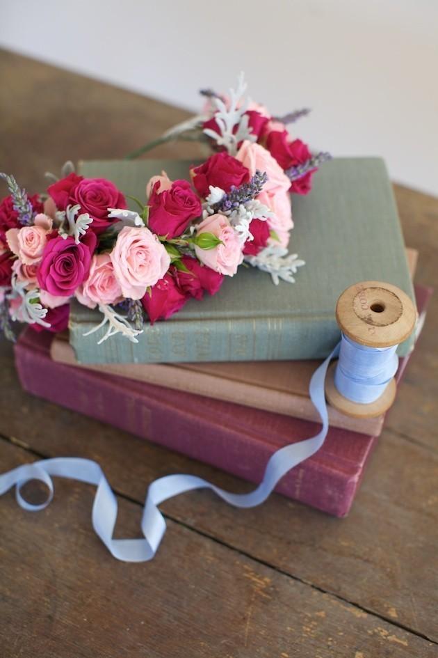 1044 Мастер-класс: нежный венок для невесты из диких роз, васильков и лаванды