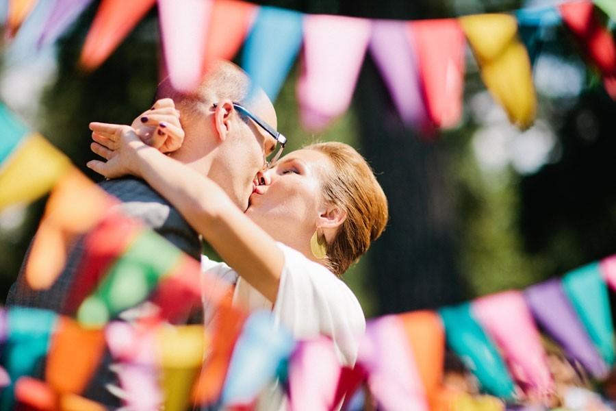Оптимизм и яркость свадьбы в радужном цвете