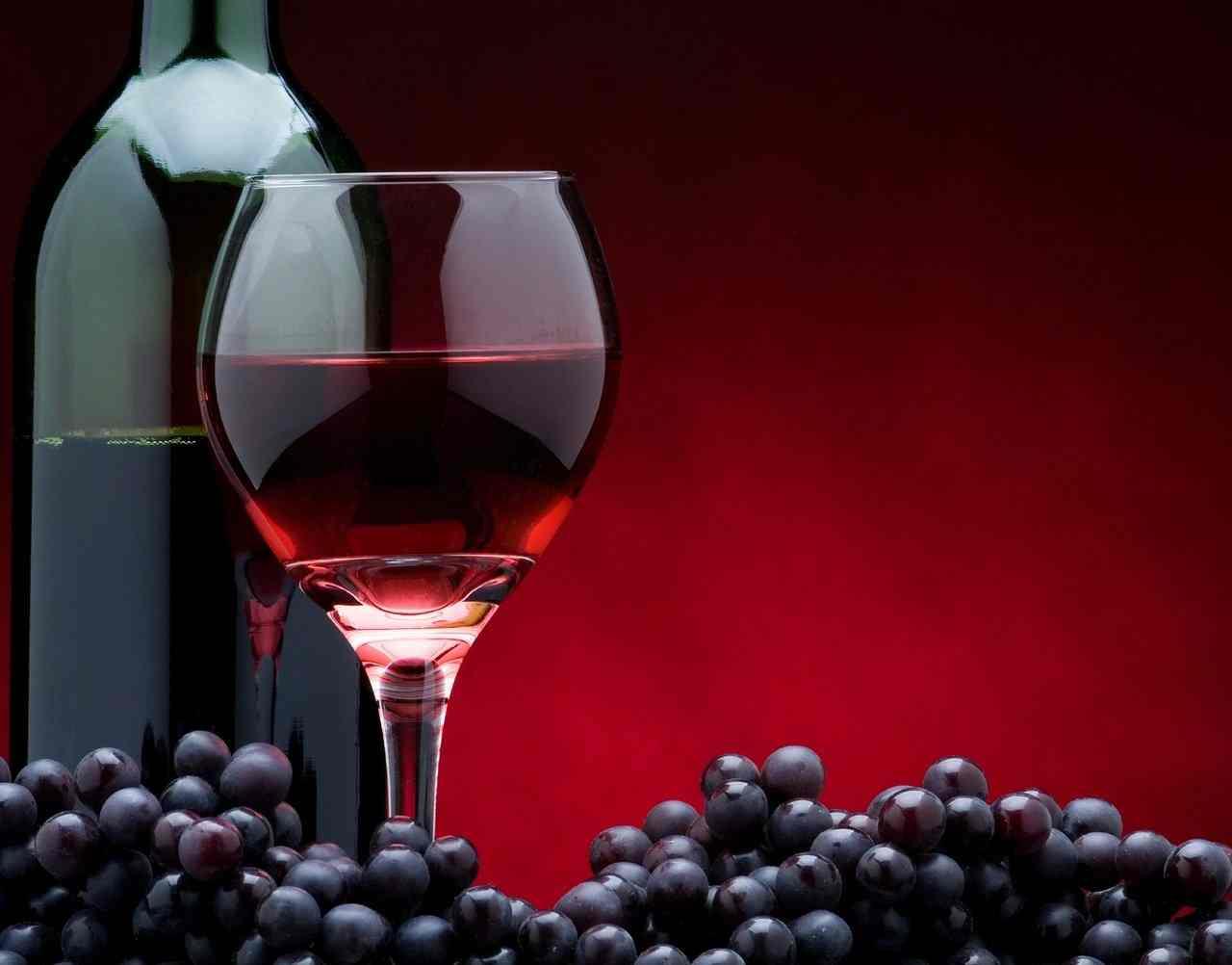 Как выбрать хорошее вино на свадьбу
