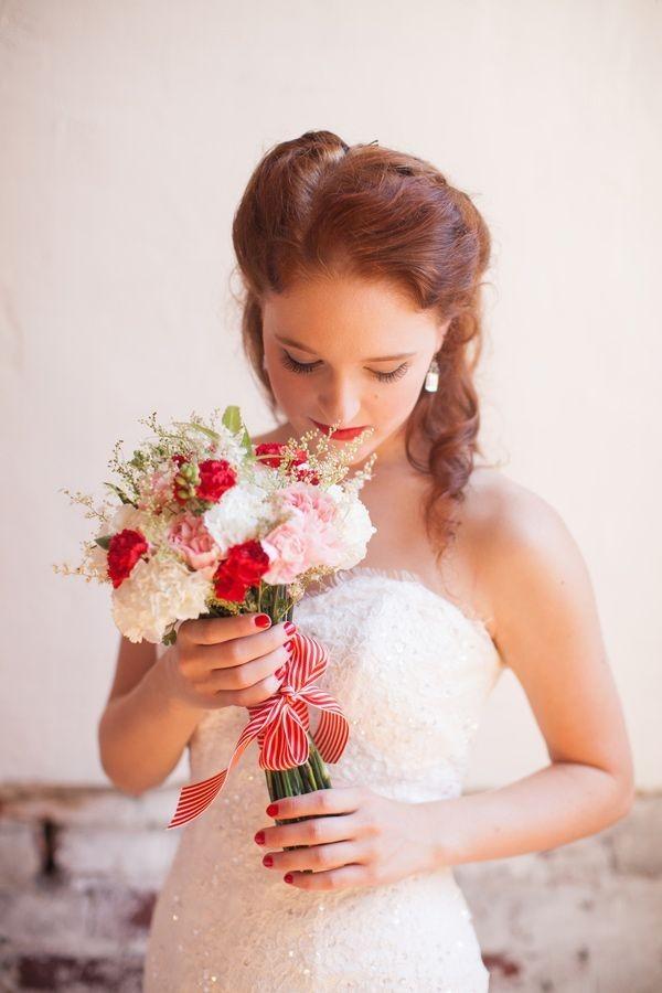 141 Нежная и страстная свадьба в красно-белом цвете