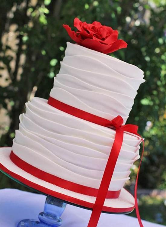 31 Нежная и страстная свадьба в красно-белом цвете