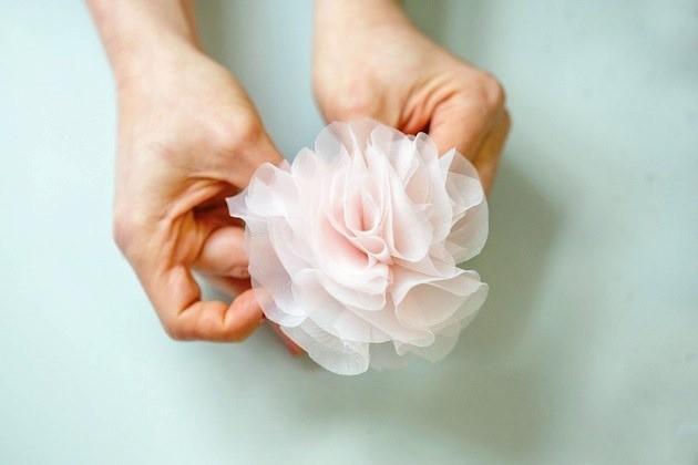 3110 Мастер класс: шифоновый цветок для свадебных туфель невесты