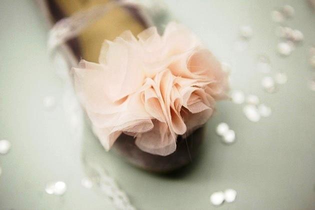339 Мастер класс: шифоновый цветок для свадебных туфель невесты