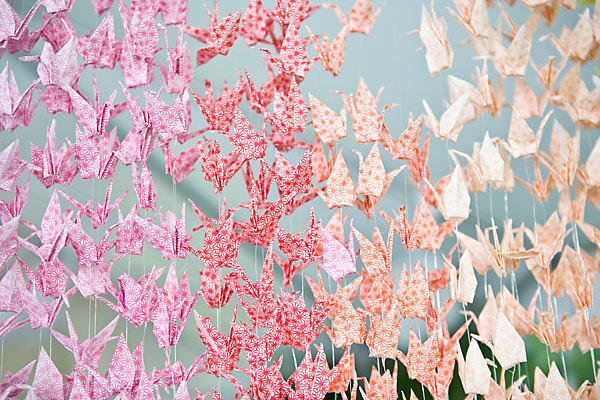 "Svadba-v-stile-tysyacha-zhuravlikov-14 Свадьба в стиле ""тысяча журавликов"": украшаем свое торжество оригами"