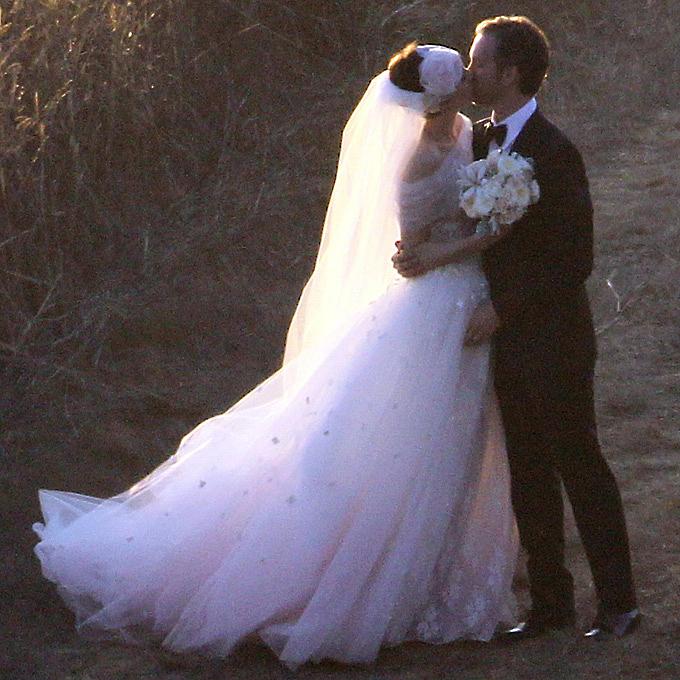 Znamenitosti-kotorye-vybrali-tsvetnye-svadebnye-platya3 Знаменитости, которые выбрали цветные свадебные платья