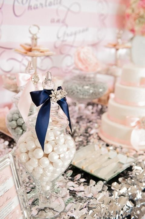 brosh-kak-element-svadebnogo-dekora-3 Броши в декоре свадебного торжества