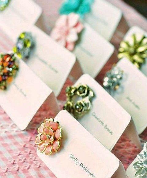 brosh-kak-element-svadebnogo-dekora-8 Броши в декоре свадебного торжества