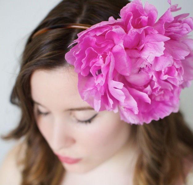 Мастер-класс: роскошный ободок с живым цветком пиона