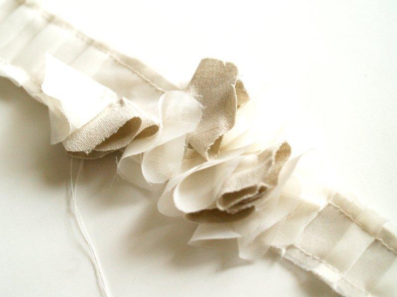 Prishejte-vse-tsvetochki-k-obodku Мастер-класс: миленький ободок в винтажном стиле