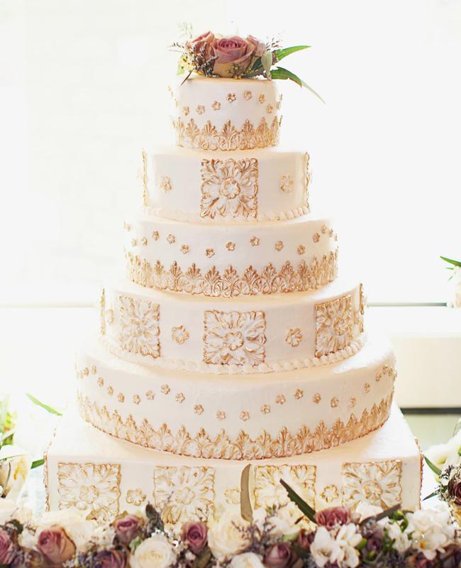 blestyashhij-svadebnyj-tort Блестки в оформлении свадебных тортов