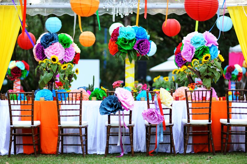 dekor-pod-potolok-na-svdabe Подвесной свадебный декор – необычный способ украсить торжество