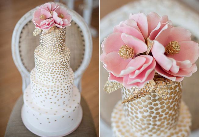 Блестки в оформлении свадебных тортов
