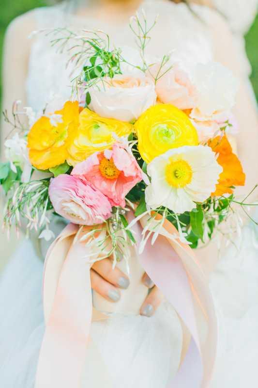 Весна пришла: яркая весенняя свадьба