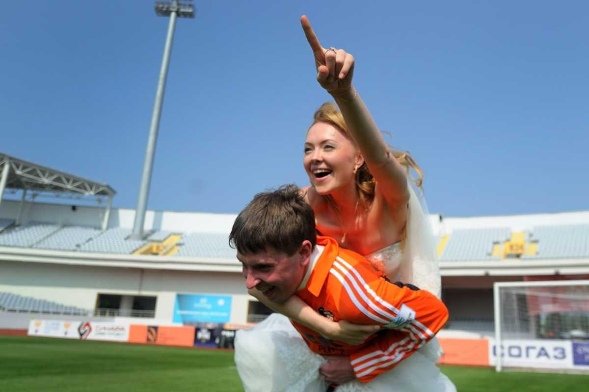 fotosessiya-na-svadbu-futbol Свадебная фотосессия в футбольных мотивах