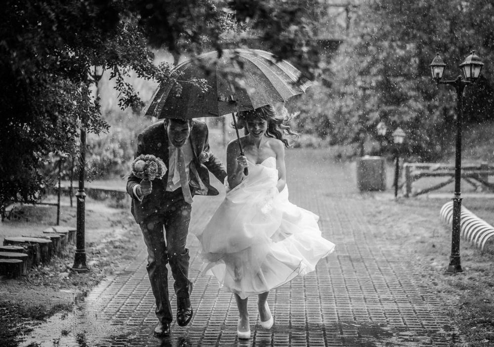 fotosessya-na-svadbu-pod-dozhdem Свадебная фотосессия под дождем