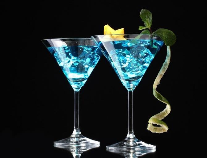 """""""Приветственные"""" коктейли на свадьбе – еще один способ разнообразить торжество."""