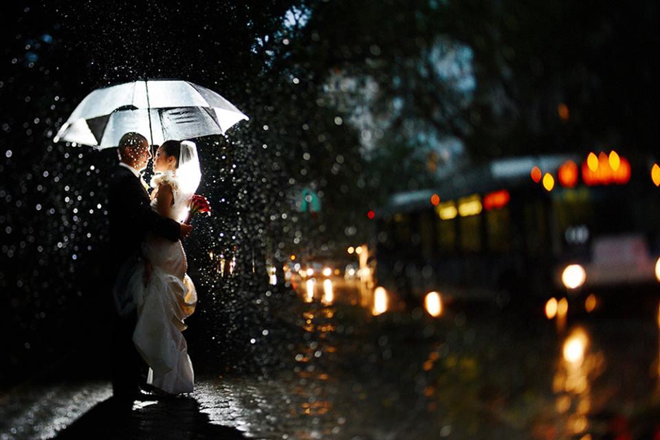 romanticheska-svadebnaya-fotosessiya-pod-dozhdem Свадебная фотосессия под дождем