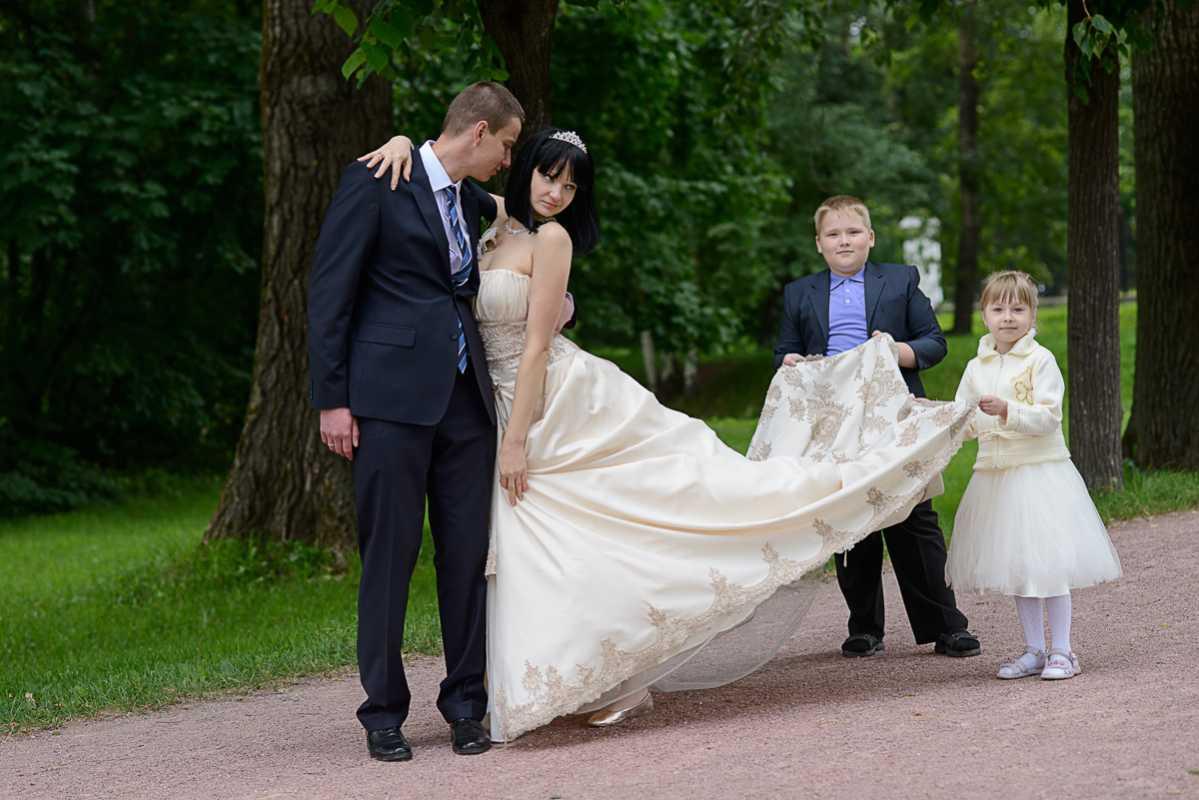 svadebnaya-fotosessiya-s-detmi Дети на свадебной фотосессии