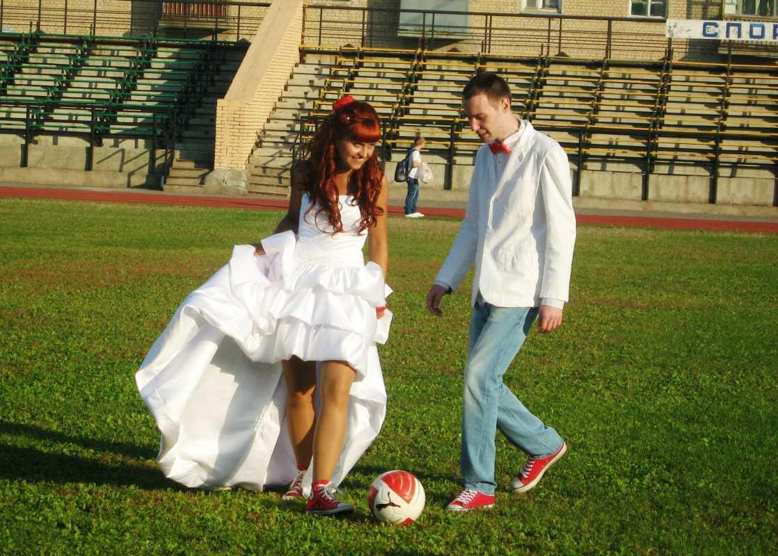 svadebnye-kedy Кеды вместо туфель для невесты на свадьбу