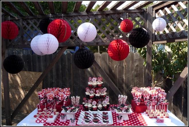 svadebnyj-kendi-bar-minni Нежный Кэнди Бар в стиле Минни Маус для свадебного торжества
