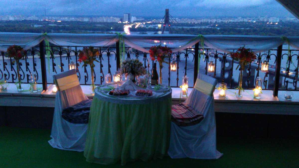 Как организовать свидание на крыше?