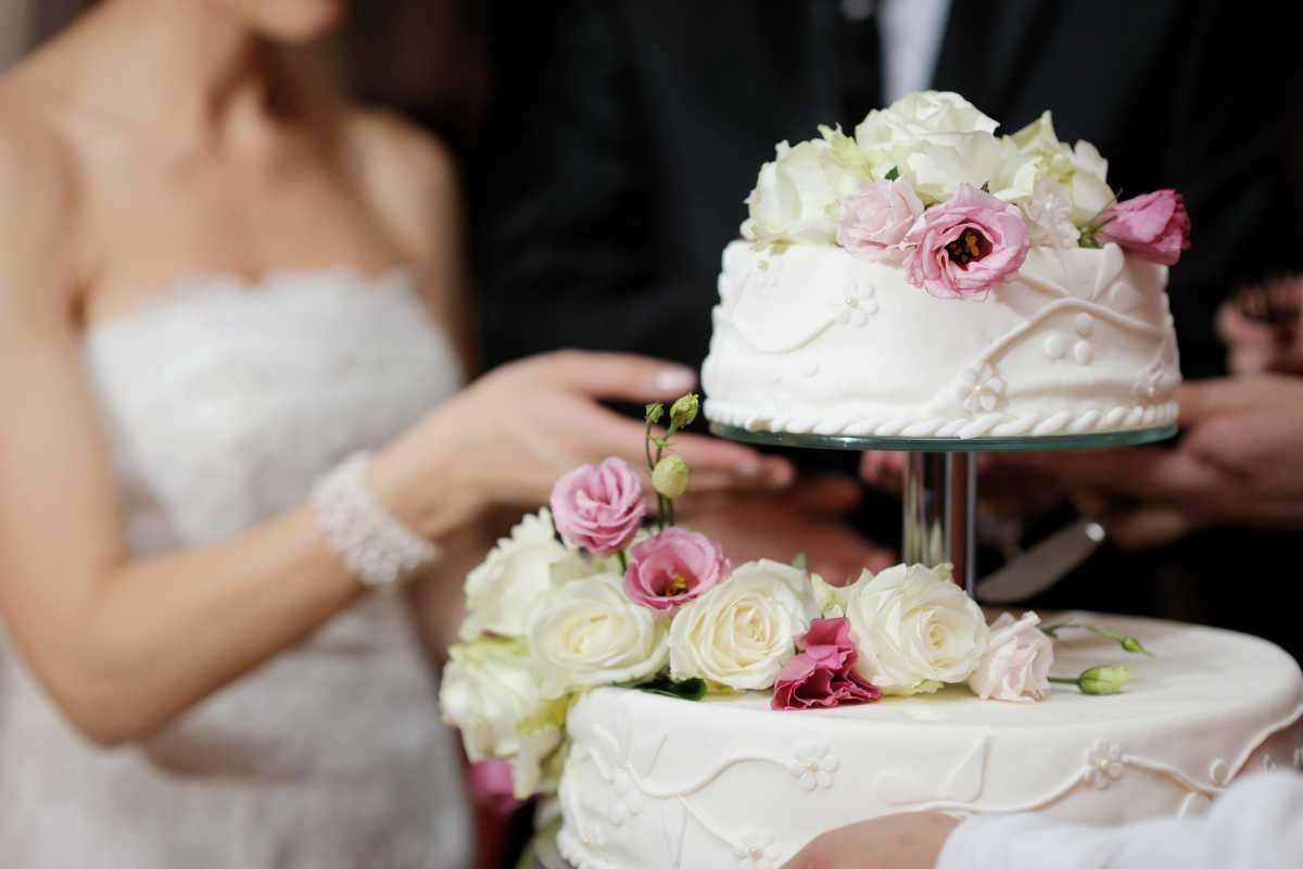 1-kak-podat-svadebnyj-tort Свадебные торты,сладкий и  важный момент при организации свадьбы!