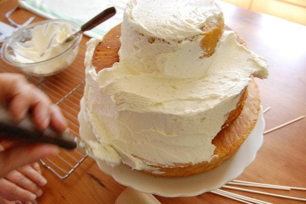 byudzhetnyj-svadebnyj-tort-6 Бюджетный вариант торта на свадьбу