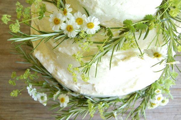 byudzhetnyj-svadebnyj-tort-9 Бюджетный вариант торта на свадьбу