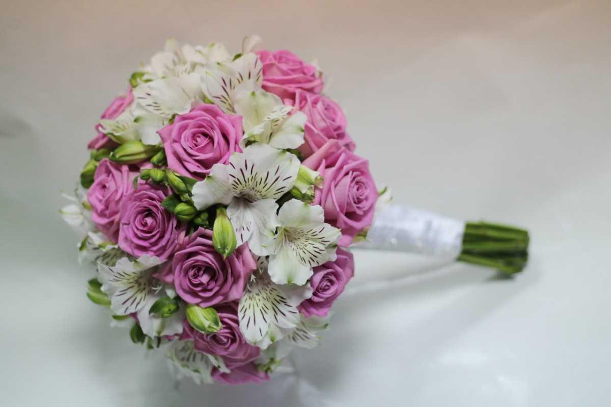 Недорогие свадебный букет для невесты фото 2017, купить цветы