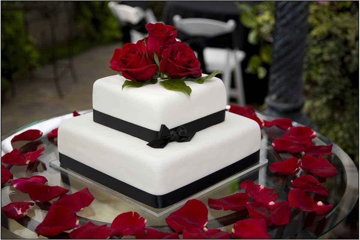 kak-podat-tort-na-svadbu Как подать свадебный торт