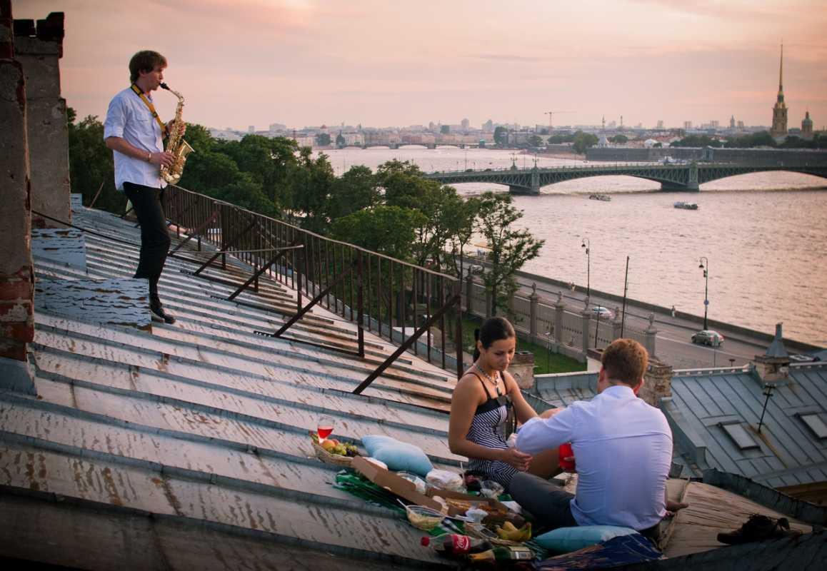 kak-samostoyatelno-organizovat-svidanie-na-kryshe-doma Как организовать свидание на крыше?