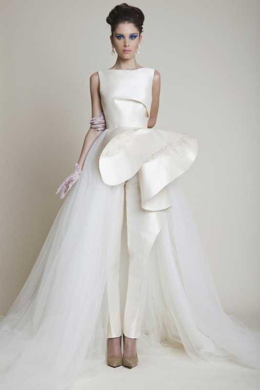 kostyum-bryuki-dlya-nevesty-na-vtoroj-den-svadby Брючный костюм для второго дня свадьбы