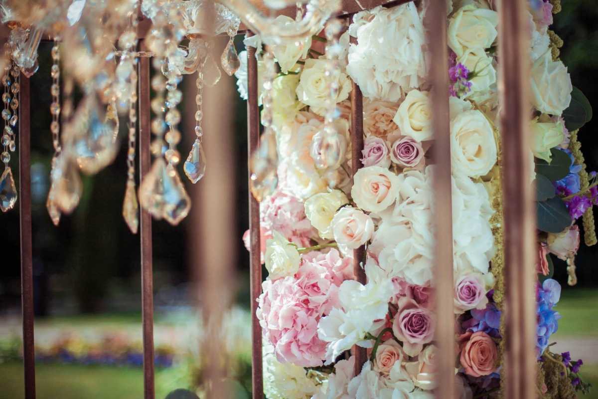 svadebnyj-dekor-samomu Свадебный декор своими руками - оригинальность или простой способ сэкономить
