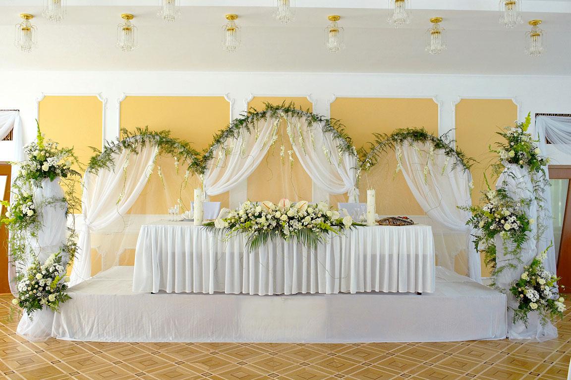 Свадебное оформление зала тканью фото советы