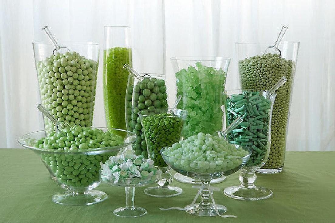 Свадьба в зеленом и зеленое свадебное оформление Кэнди Бара