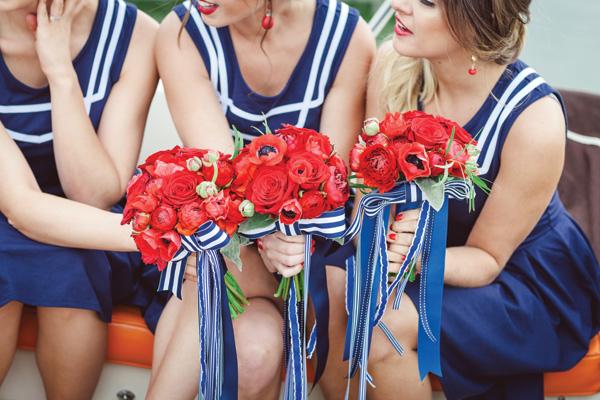 Американские мотивы в декоре свадьбы: скажем да синему, белому и красному цвету!