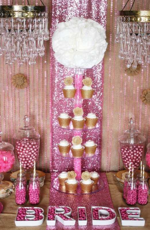 1-svadebnyj-kendi-bar-v-zolotom-i-rozovom-tsvete Кэнди бар на свадьбу- более 100 идей и решений